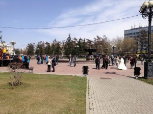 A wedding on Kirov Square. Photo by fellow Union College Student Lacey Reimer