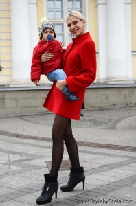 Even new moms keep fashion a priority - note the baby heels (Moscow)