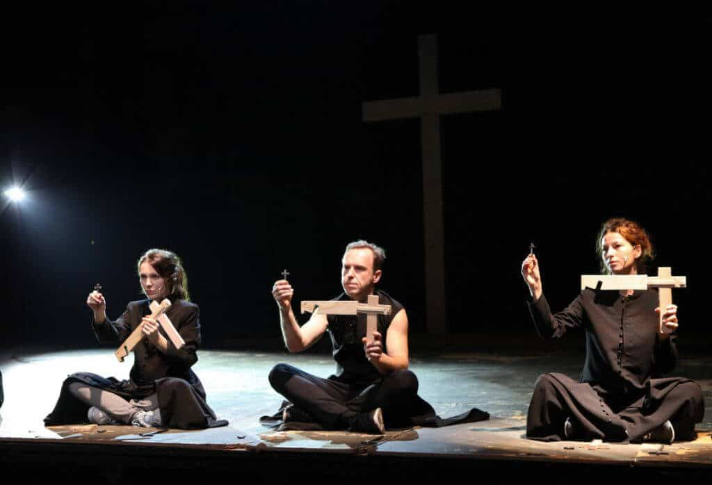 Official production photo from Curse. Photo by Magda Hueckel. Reproduced with permission.